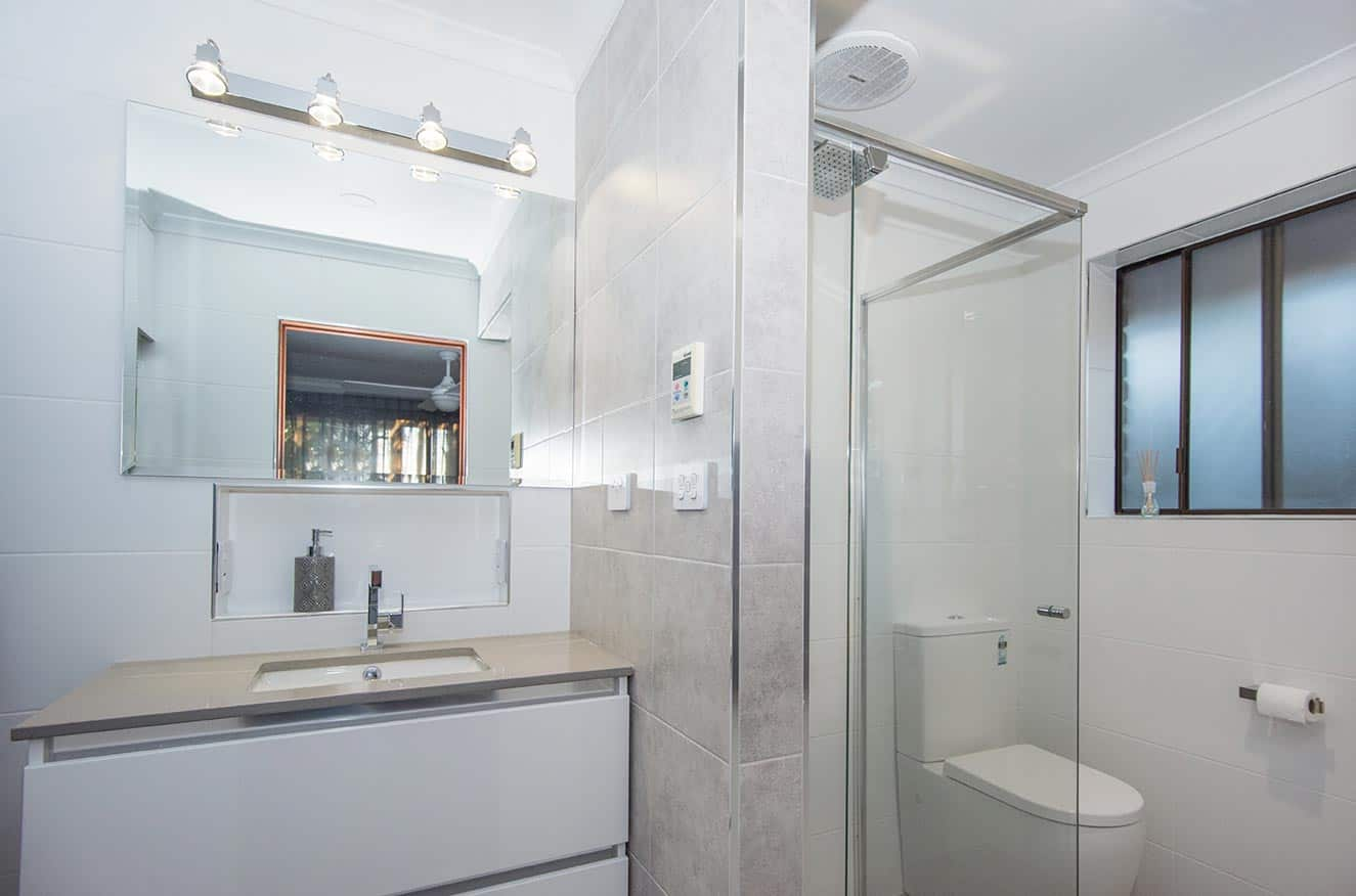 Electrician Mitcham Bathroom Fan Heat Light Installation